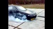 Хонда пали гумите на 3 та скорост!!!