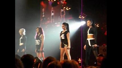 Teen Awards- Little Mix - Dna