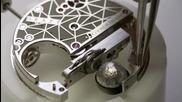 Да побереш луната на китката си и да я посипеш с диаманти: Diamond Gyrograff