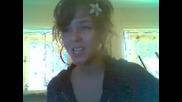Момиче Пее Уникaлно песен на Beyonce!!