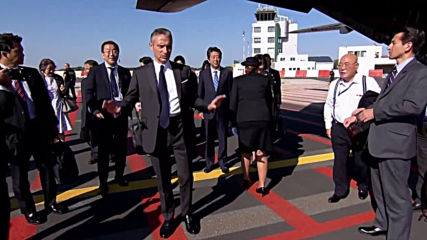 France: Japanese PM Abe lands in Biarritz for G7 summit