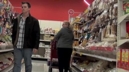 Пич се изпуска в супермаркета 2