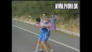 Колоездачи се бият