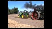 Стар парен трактор доказва мощноста си! Смях!