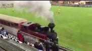 Само в Словакия Влакът си минава, мачът продължава