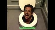 Глава в тоалетната чиния СКРИТА КАМЕРА