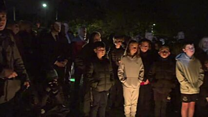 UK: Locals attend vigil for MP killed in Leigh-On-Sea