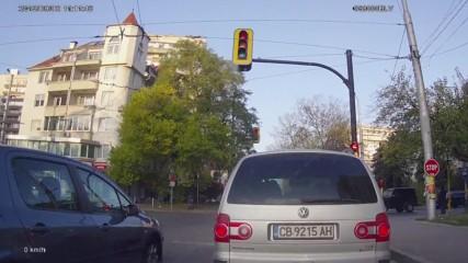 Минаване на червен светофар 43