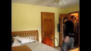Лигльото си потрошава стаята :d:d:d