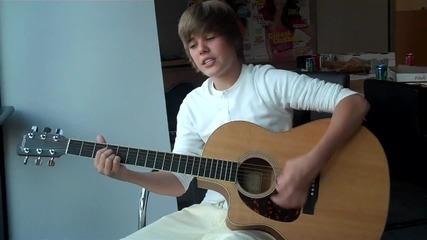 Justin Bieber изпълнява One less lonely gril за списание Seventeen