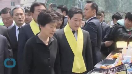 South Korean Leader's Vow to Salvage Sunken Ferry Snubbed by Victims' Relatives