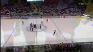 Световно по хокей 2011 Чехия - Русия Евгени Артюхин размазва трима чехи