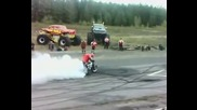 Yamaha R1 Fire Burnout at rev limit