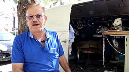 Syria: Internally displaced tailor successfully turns car into mobile workshop