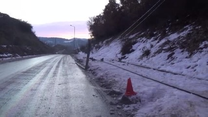 Кола събори стълб край Благоевград