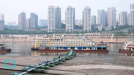 Ship Carrying 400 Passengers Sinks in Yangtze River