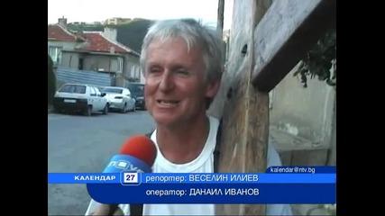 Англичанин върви пеша от Пловдив до Сливен с кръст на гърба Нова Телевизия