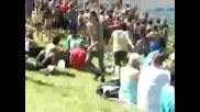 Sasquatch music festival 2009 - Guy starts dance party