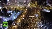 """Дрон заснема как хиляди празнуват в Атина след """"НЕ"""" на референдума"""