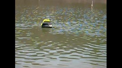 Лодка за захранка