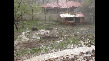проливен дъжд на 08.04.2012-ракитника/варна