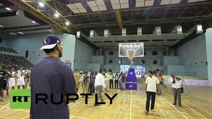 Индия: Запознайте се със Сатнам Сингх - първият индийски играч в NBA