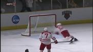 Невероятно спасяване на гол в хокея