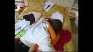хубавия момент с Мехмет в спалнята-рисуването на тениските