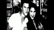 Selena Gomez; Freakshow!