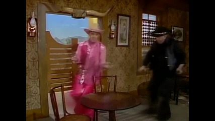 The Benny Hill Show - S18е01 - The Halitosis Kid (13.01.1988)