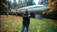 Мъж от Орегон живее в стар самолет Boeing 727
