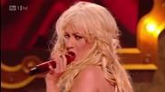 Christina Aguilera - Express ( Burlesque ) ( X Factor Live )
