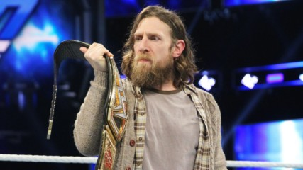 """WWE Universe reacts to Daniel Bryan ending The """"Yes!"""" Movement: WWE.com Exclusive, Dec. 4, 2018"""