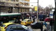30 000 варненци протестираха днес срещу монопола на Ерп-тата и високите си сметки за ток! 17.02.2013