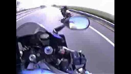 Да караш мотор с 304 km/h и да те изпреварят с 360 km/h на задна гума