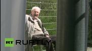 Охранителят от Аушвиц Оскар Грьонинг в очакване на своята присъда