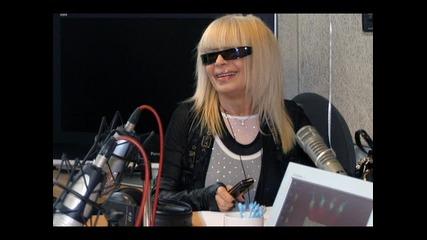 Лили Иванова водеща на новините по Дарик радио