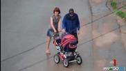 Родители на щайга с детска количка