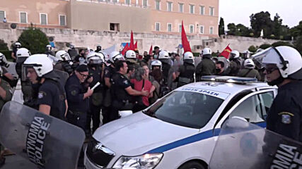Greece: Protesters clash with police at solidarity demo with Turkish hunger strikers