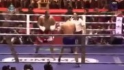 Боксов шампион в жесток муайтай двубой