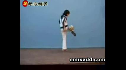 Football Freestyle Girl - Fantastic