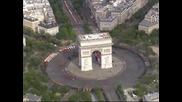 Оланд посрещна първия си парад за националния празник на Франция