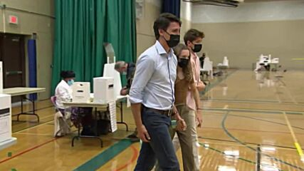 Canada: Trudeau votes in early general election in Toronto
