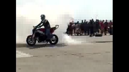 Мото - Събор Велико Търново 2009 - Stunt!