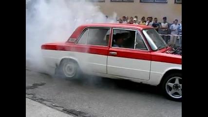 Това Се Казва Burnout - Lada Turbo