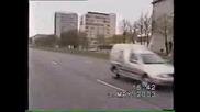 Моторист и полицейска кола
