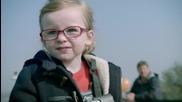 Какво се случва, когато 4 годишно момиченце управлява 20 тонен самосвал
