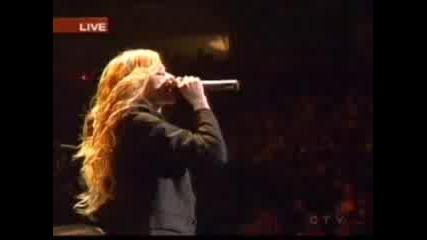 Avril Lavigne - Sk8er Boy (Live)