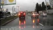 Шофьор потрошава Camaro поради несъобразена скорост и мокър път !