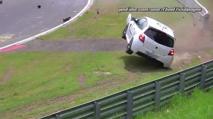 Този пилот изкара голям късмет на писта Nurburgring !